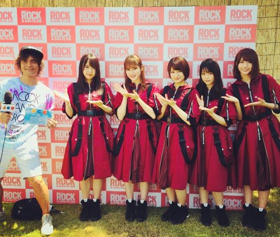 欅坂46(L→R 菅井友香さん、守屋茜さん、織田奈那さん、石森虹花さん、土生瑞穂さん)